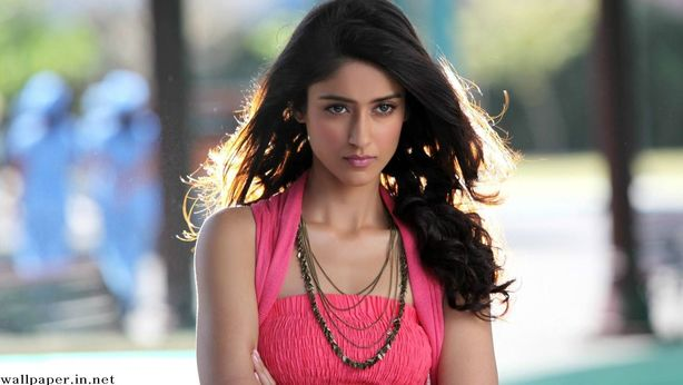 bollywood heroine in pink top
